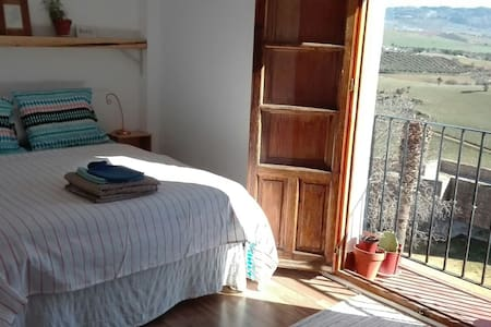 Central Room with Balcony + Views - Ronda