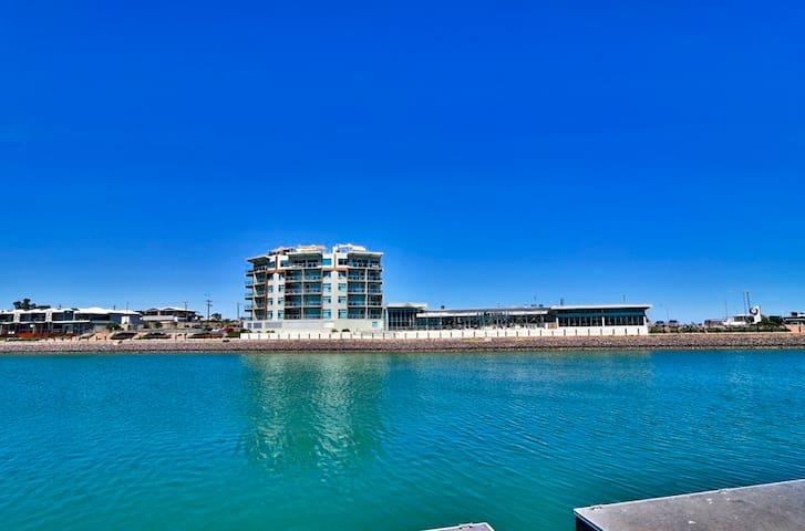 Wallaroo Marina Apartment w Sea Views