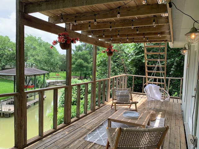 Creekside Guesthouse in Clear Lake Area