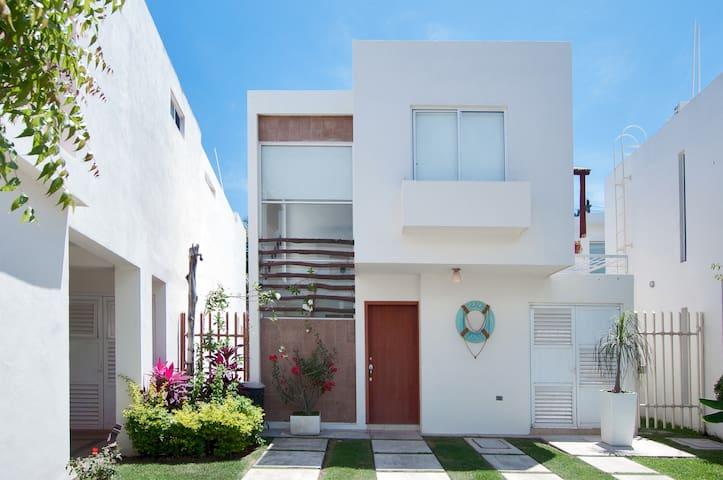 *Spacious & Modern Villa Las Moras