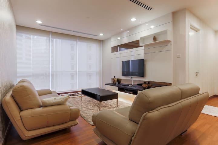 Luxury  well-furnished 2R/2B Binjai 8 Soho,  KLCC.