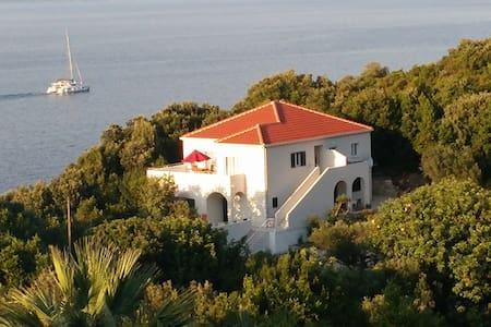 Spacious apartment on Mljet Island - Kozarica