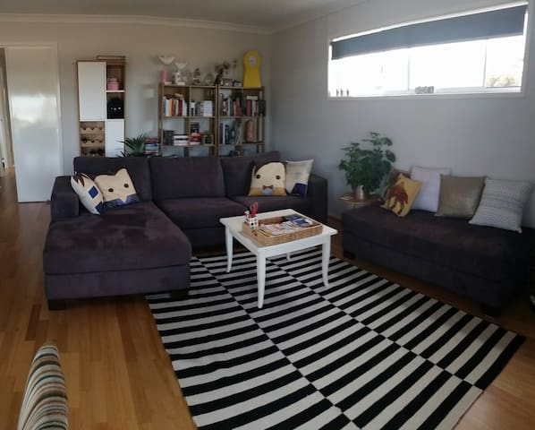 Cosy Bedroom in Home with Bay Views - Portarlington - House