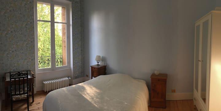Chambre avec vue sur le parc Napoleon III