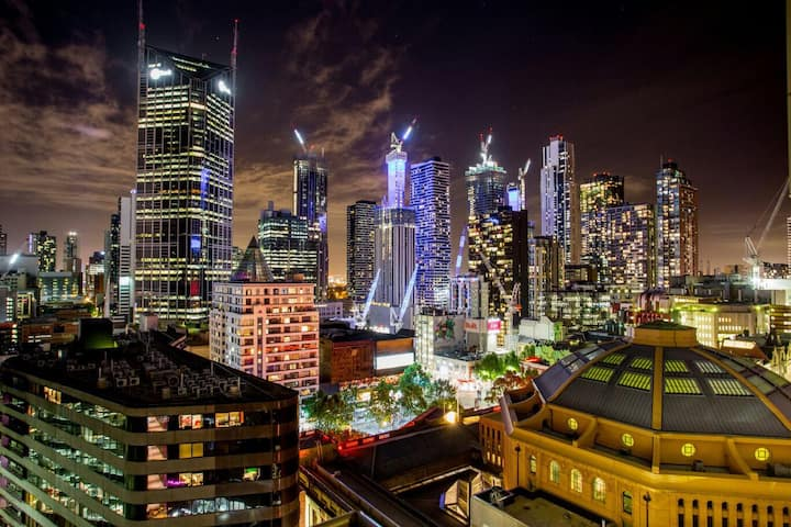 Apartment in the heart of Melbourne, AMAZING views