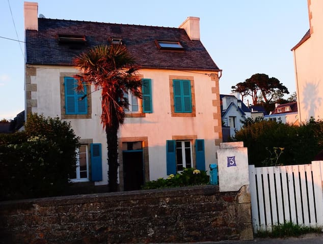 Fabulous sea-side house in Brittany