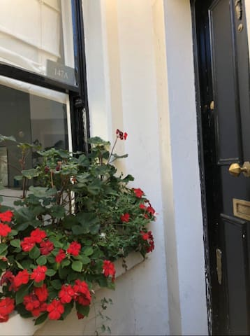 Cosy double room in charming period flatshare
