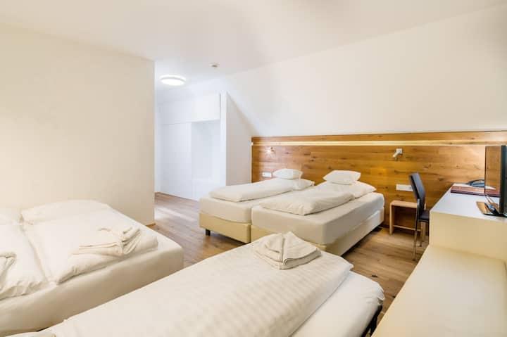 Hotel Ochsen, (Blaubeuren), Familienzimmer für 4 Personen