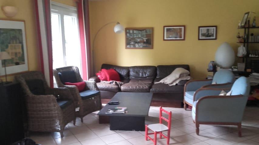 grande maison tres calme avec jardin - Montivilliers - Casa