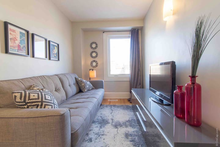 Trendy Little Italy Loft- Prime Downtown Location
