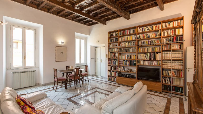 Great apartment in Monti