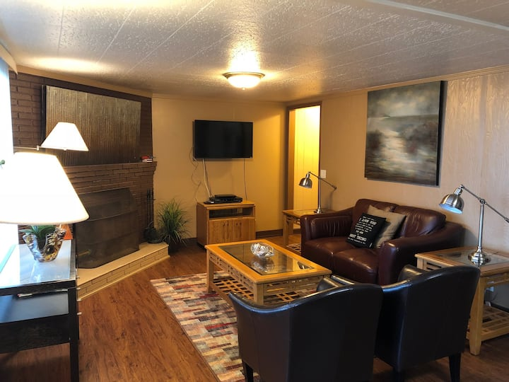 Cozy Oceanfront 1 bedroom condo.  Chelan #9