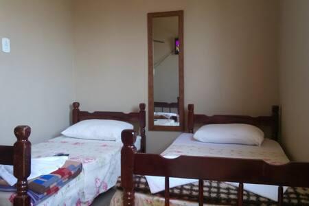 Hostel simples (aconchegante) - Cunha