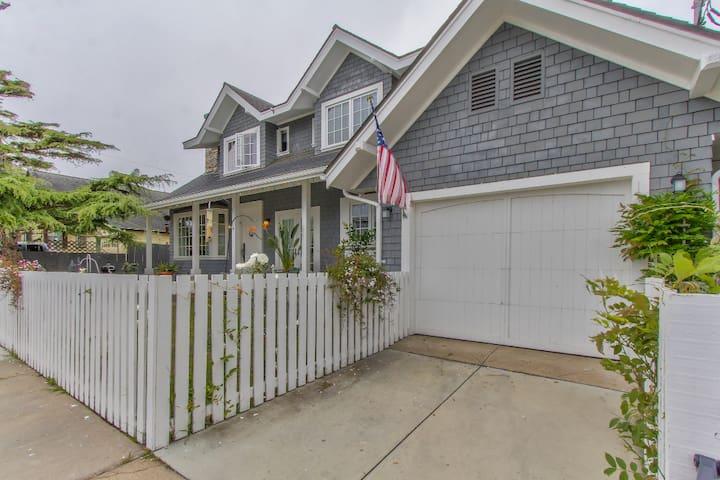 Hamptons Home Near Downtown Pacific Grove