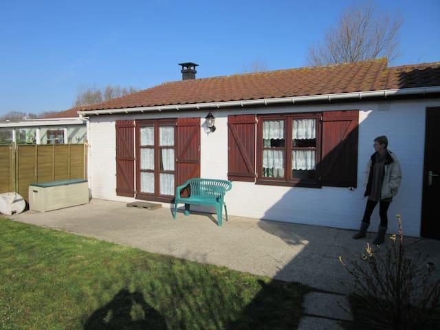 bungalow StrandJutter westende Dorp - Middelkerke - House