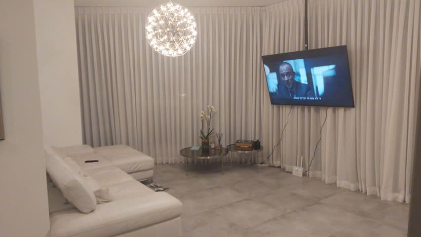 Luxury new Gindi TLV large Apartment !