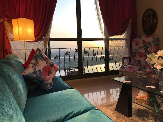 Nile Pyramid Panoramic View 3 bed Apt Maadi Cairo