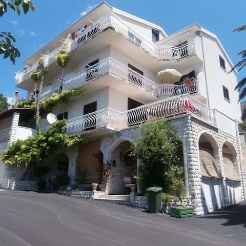Villa Mario# bed and breakfast# Podgora