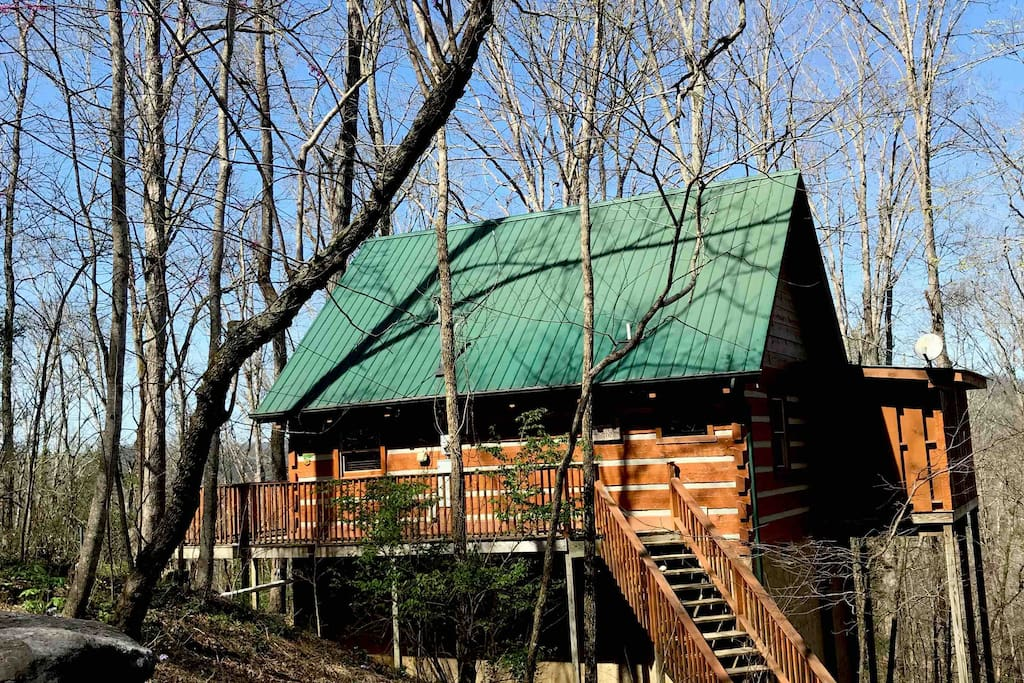 A SECLUDED & PRIVATE MOUNTAIN VIEW GET AWAY , ROCKY TOP 146 TOWNSEND, TN