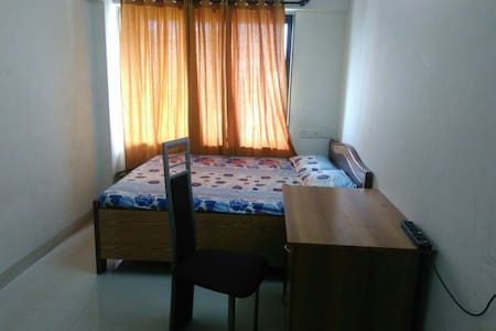 Basic room in Andheri East - Mumbai