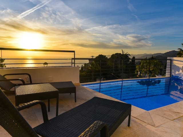 Luxurious new modern villa with private pool and spectacular sea views.