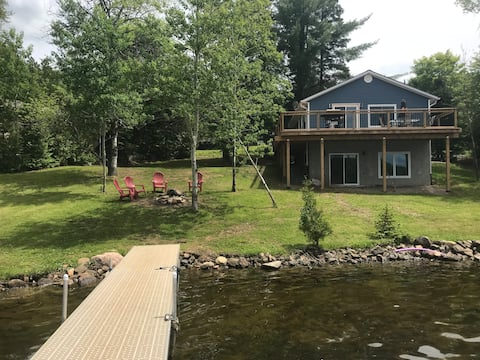 Beautiful cottage home on Paudash lake