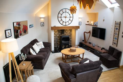 Burnside Neuk, cosy cottage close to Cairngorms
