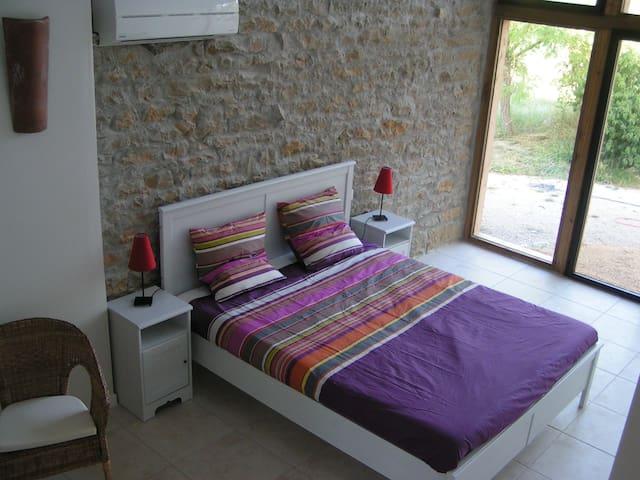 Room 5P Albi - B&B La Poujade - Caylus - Bed & Breakfast