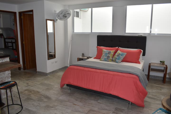 2-1 Artsy Apartment in the Heart of Santa Marta
