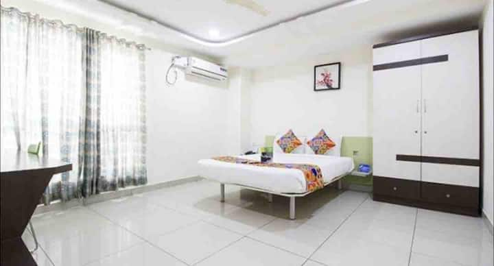 Deluxe Room @ Hi tech City Madhapur
