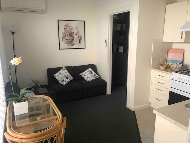 Self contained ground floor unit for 3