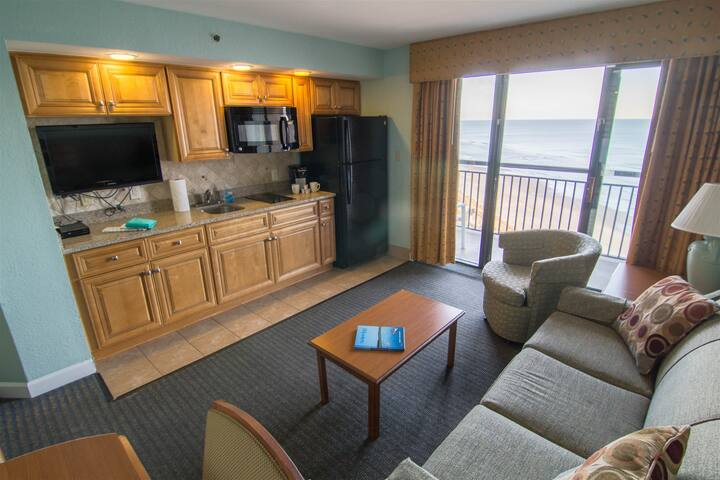 Beautiful views! Beachfront Condo in North Myrtle Beach 1123