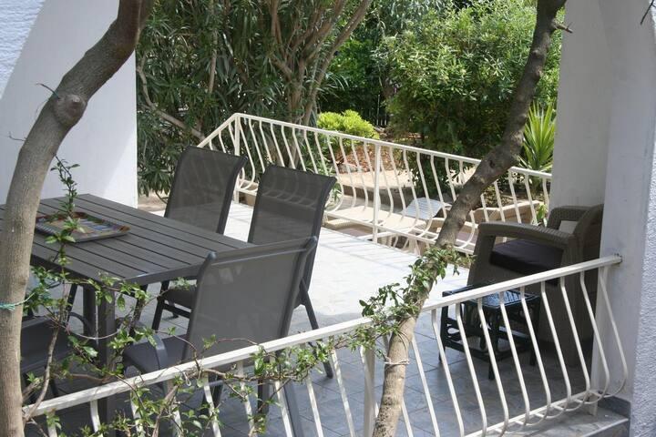 One bedroom apartment near beach Prižba, Korčula (A-14597-a)