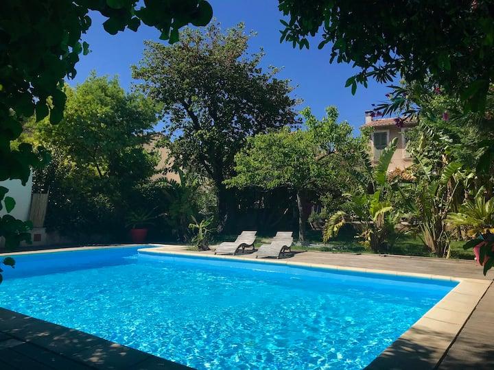 Charmante villa avec piscine au cœur de Toulon