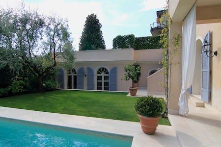 SPLENDIDA DEPENDANCE VISTA GOLFO DI SALO' - Roé - Apartament