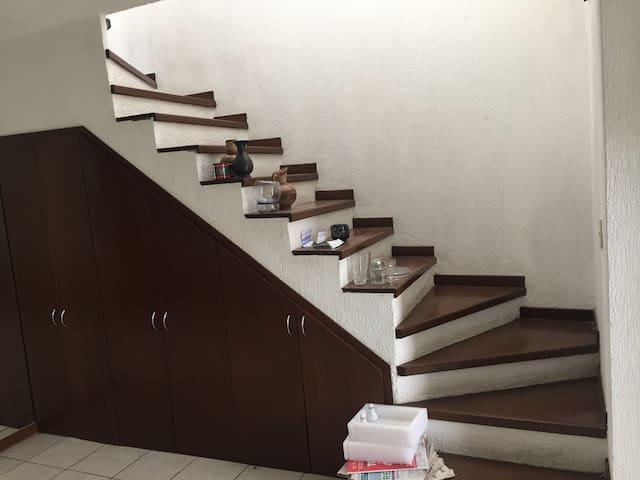 Casa con acabados de lujo - Guadalajara - Dom