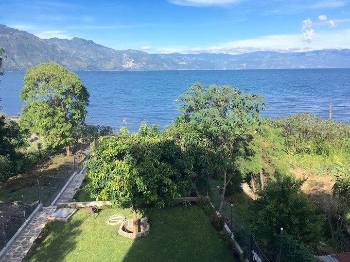 SOLUNA1: Gorgeous lake & mountain views (2 bedrms)