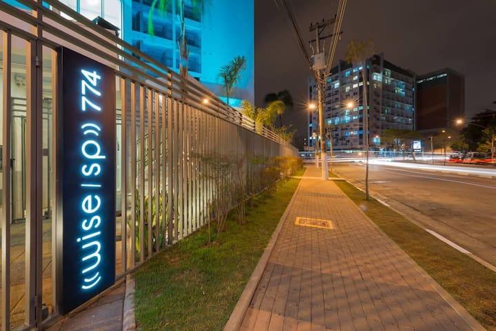 Apartamento Studio próximo ao Metro Tiete