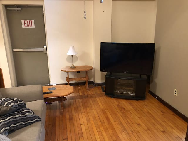 Downtown 2 bedroom in the middle of Williamsport
