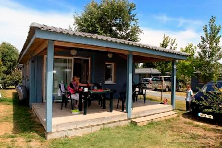 Chalet 4 people with covered pool on Oleron Island