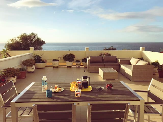 Mesmerizing Funchal condo with best view/location