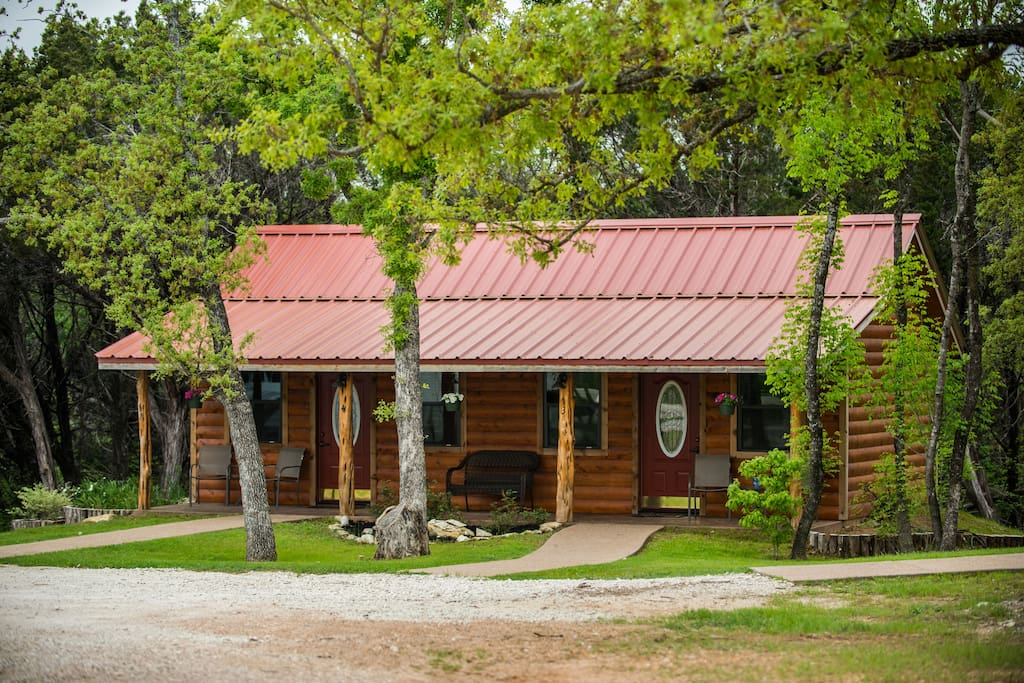 cabin 1 rental 15 minutes from magnolia and baylor