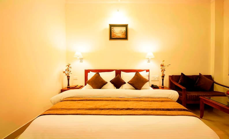 New Year Celebration Stay with Full Meal - Gurgaon - Bed & Breakfast