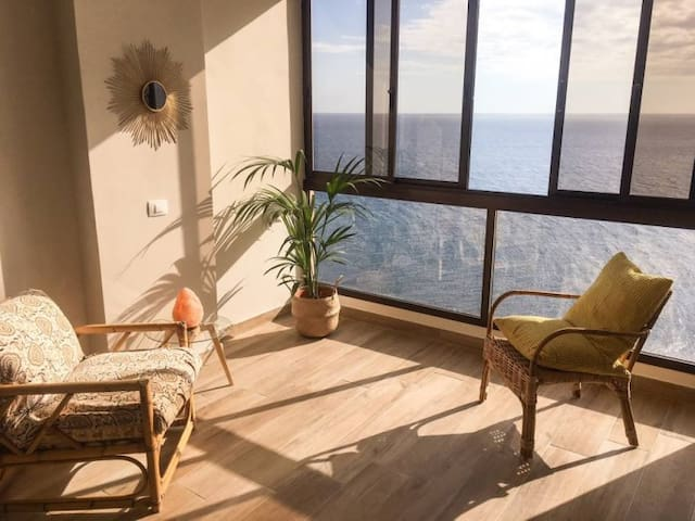 Luxury Apartment / Stunning Ocean Views / 2BRS