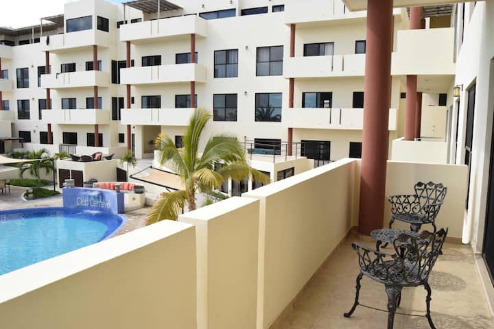 2nd floor  1br condo w/oceanview terrace