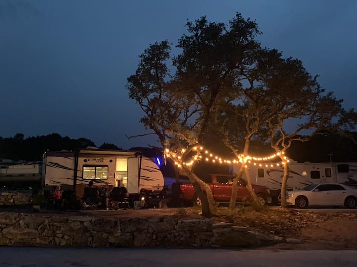 RV Glamping @ it's finest — Your Vacation Awaits!