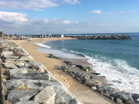 Vilamarlux II, Loving sea view