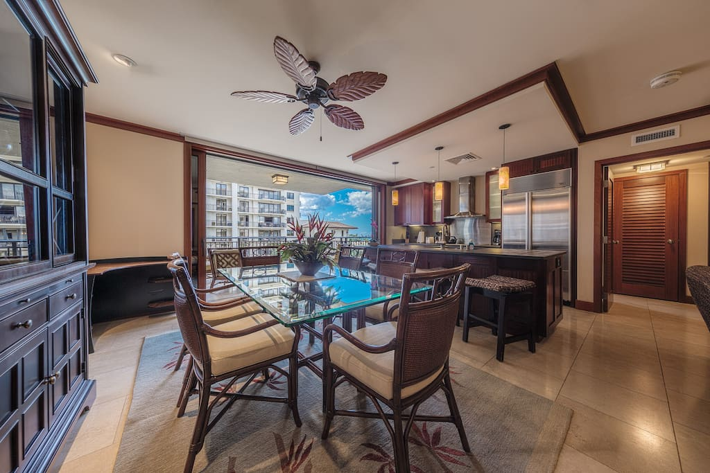 Dining, kitchen to lanai