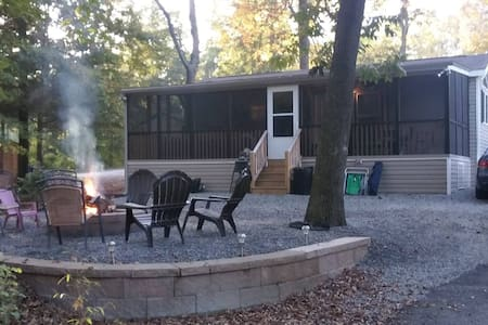 Tall Timbers Campground Resort - Spruce Village - Sussex - Cabin