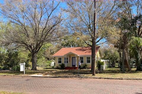 Charming Historic Gulfport Cottage